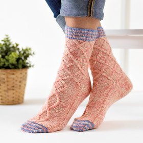 Secret Garden Cable Socks (2)
